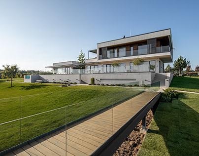 VIN HOUSE