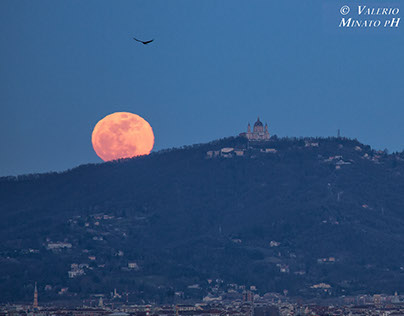 Full Moon on Turin, 5 March 2015