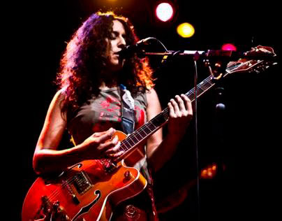 Rupa & The April Fishes Live!