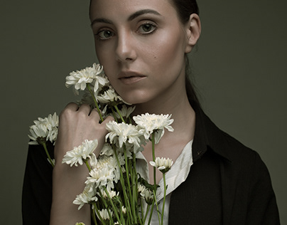 Flower girl (Portraits of Irene)