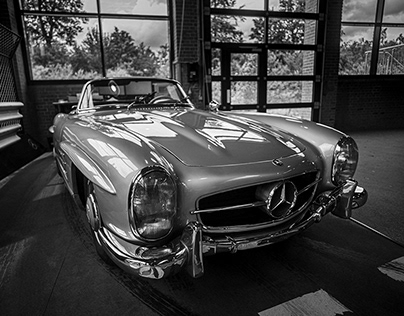 Classic Center / Mercedes SL 300 / Leica M