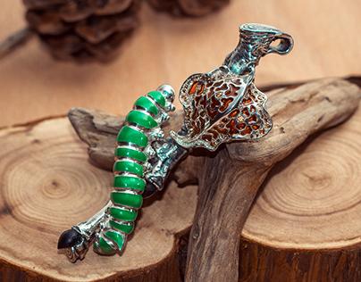 "Pendant "" Caterpillar"""
