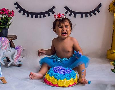 Maria Isabela Smash the Cake