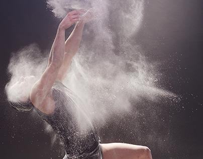 Dance with powder.