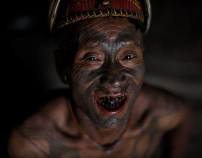 the last head hunters, konyak tribe warrior