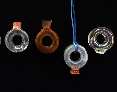H2O pendant bottle for perfume