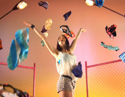 "Kotex Commercial ""Daggies"""