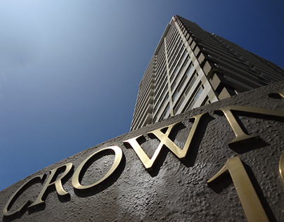 Crown Towers, Los Angeles