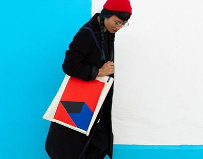 democracia® tote bags
