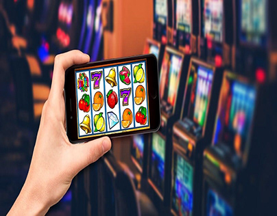 Should You Play Slots Online or at Land Based Casinos?