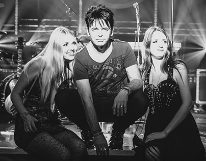 Gary Numan & Behind the Scenes