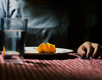 Medios Expresivos I - Relato Visual: Chica Anorexica