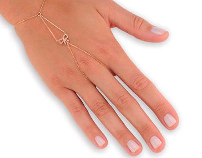Ribbon Finger Chain Diamond Bracelet