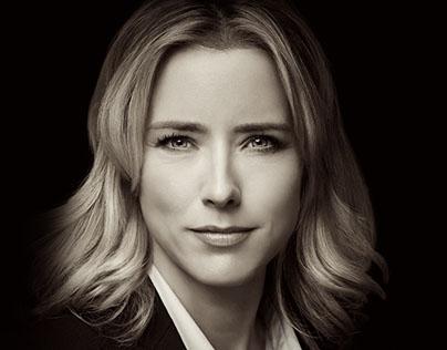 Dulce, voz al español en la Serie Madam Secretary