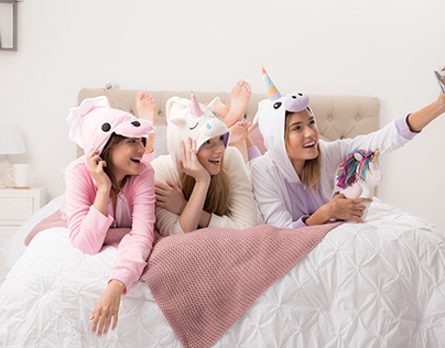 Campaña Falabella - Pijama Party