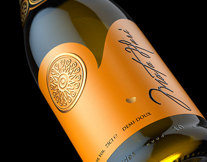 Mata Hari. Sparkling wine. Label design.