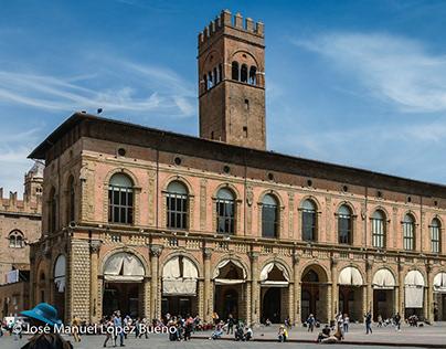 Bolonia, beautiful monumental symphony