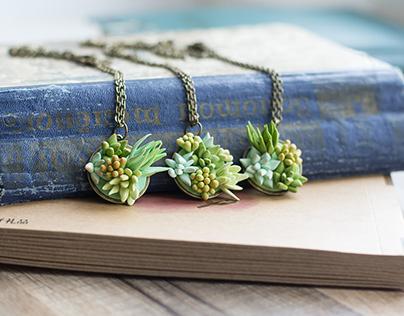 Terrarium necklace with handmade succulents