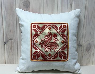 Slavic pattern on the decorative cushions