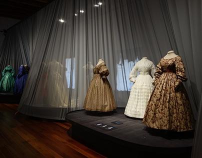 Vestidas. 100 años de moda