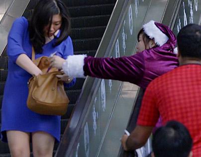 Giftpocketing Social Stunt
