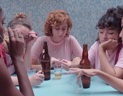 tá escorrendo (videoclipe) - mulheres de buço