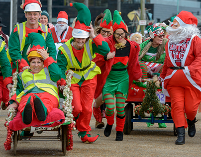 Santa Fun Run and Wacky Sleigh Race. Hastings. UK