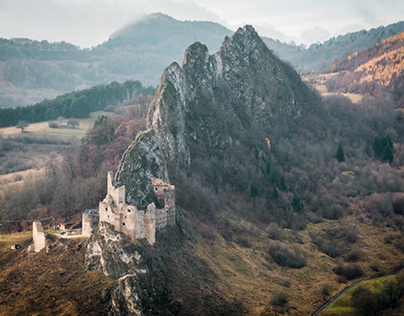 Sunday Walk | Lednica Castle