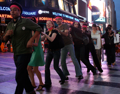 Groove Move: A Big City Game for Come Out and Play