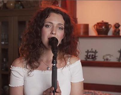 Živé vysílání na FB pro zpěvačku Tereza Navrátilová