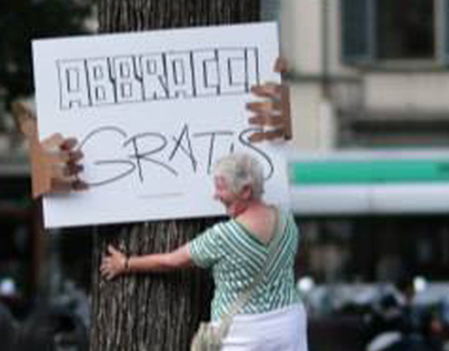 TREE HUGS / Guerrilla Marketing