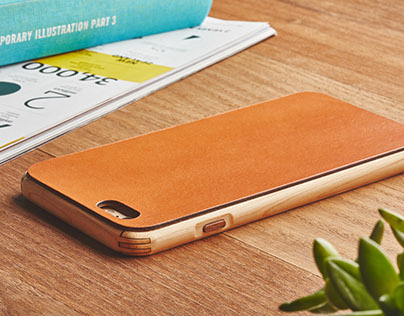 The Grovemade Wood and Leather Case