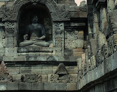 BOROBUDUR - Mahayana Buddhist Temple