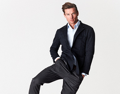The Manual - A Guide To Dressing with Minimal Pieces