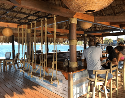 Big Dock Bar (Jaguar Reef Lodge Belice)