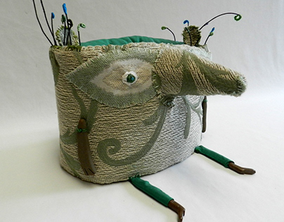 Animal de río, modelado textil (35 x 25 x 15 aprox.)