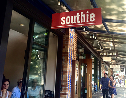 Southie Restaurant / Oakland