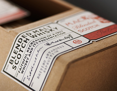 Mackinlays Shackleton Whisky Packaging