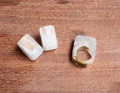 Anillos en resina y madera nativa