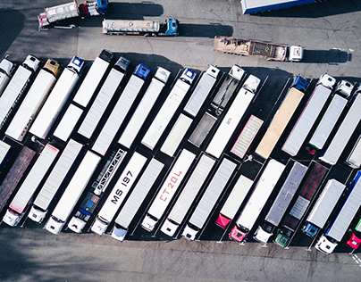 What Is Drop-and-Hook Trucking?