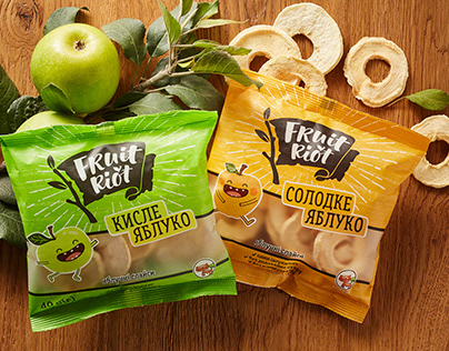 """Apple Chips """"Fruit Riot"""". Logo and Packaging"""