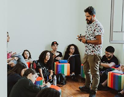 Turma de Dramaturgia na Escola de Artes Bezalel
