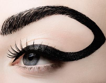 Eyeliner/MAXIMA Magazine