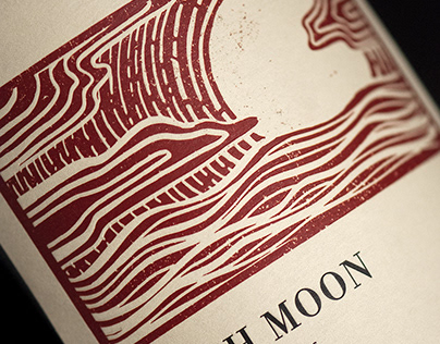 Fifth Moon (RD Winery) Wine Naming, Packaging & Logo