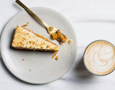 Torta de zanahoria y caffaccino de Caffa