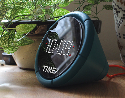 Timex R-011   Alarm Clock
