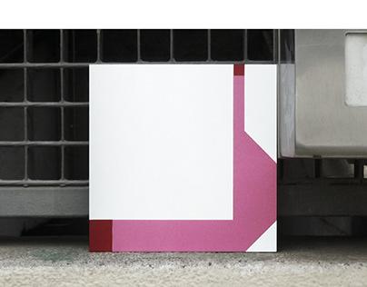 THE BIG ALICATAO 17X17CM vinyl on dibond /pinksnake
