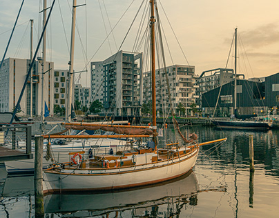 Evening walk at the harbor