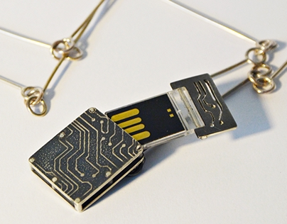 tekhne-logy - USB locket silver neckpiece