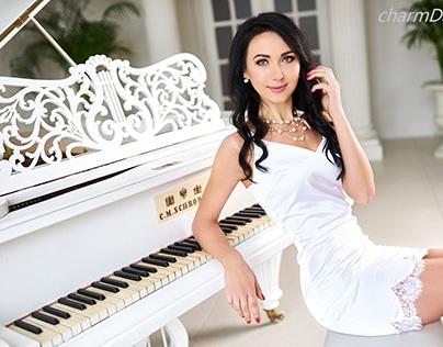 Romantic Date Night on Valentine's Day--Charmdate.com